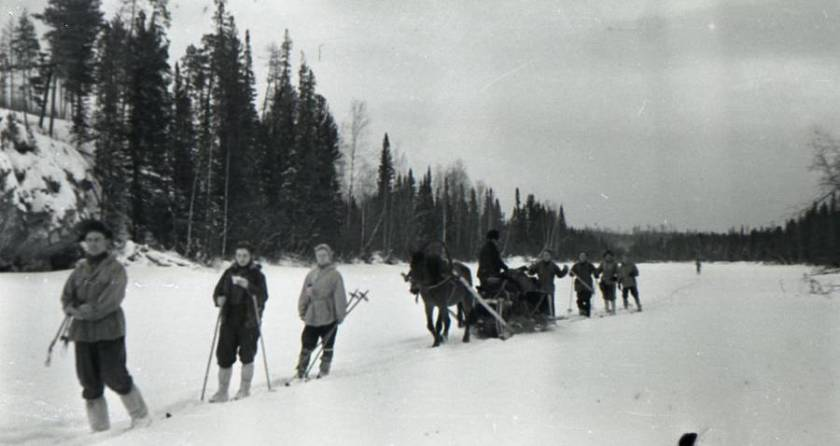 dyatlov-pass-group-camera